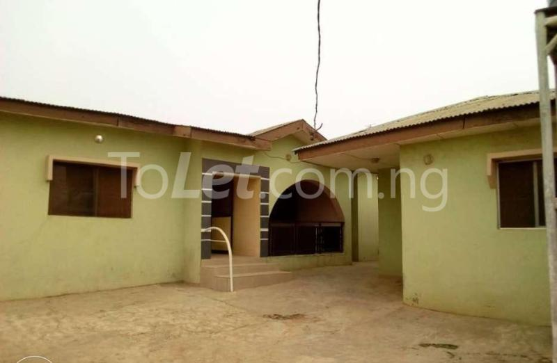 5 bedroom Self Contain Flat / Apartment for sale Ibadan North, Ibadan, Oyo Akobo Ibadan Oyo - 2