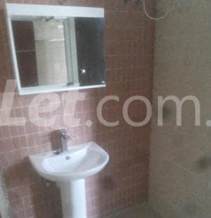 5 bedroom Shared Apartment Flat / Apartment for rent Onike Yaba Lagos - 18