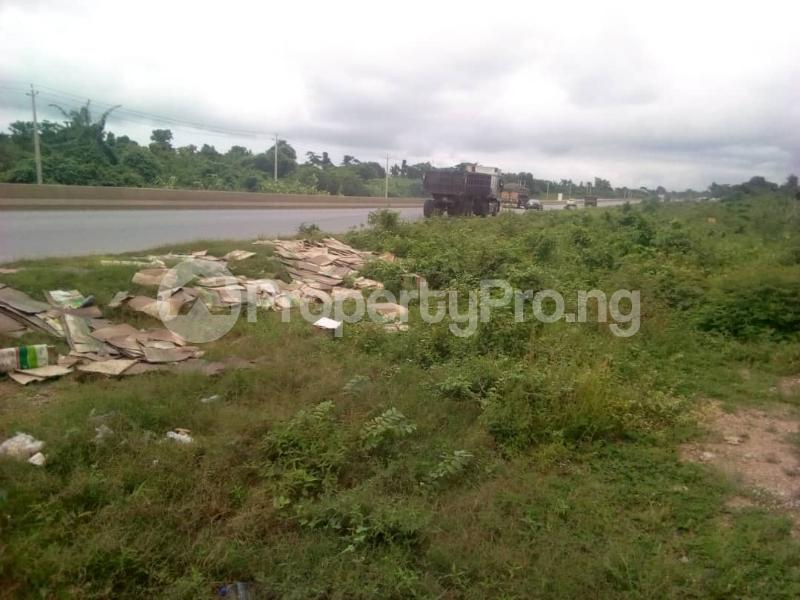 Commercial Land Land for sale Ibadan to Lagos express way  Ibadan Oyo - 1