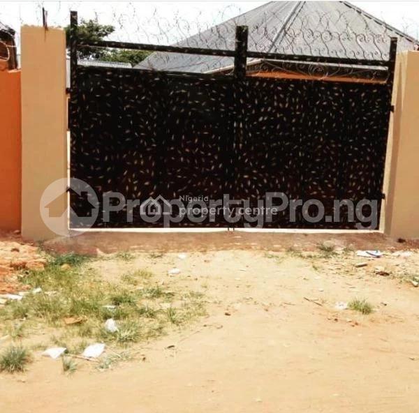 Flat / Apartment for sale Idumebo, Close To School Gate, Ekpoma. Esan West Edo - 0