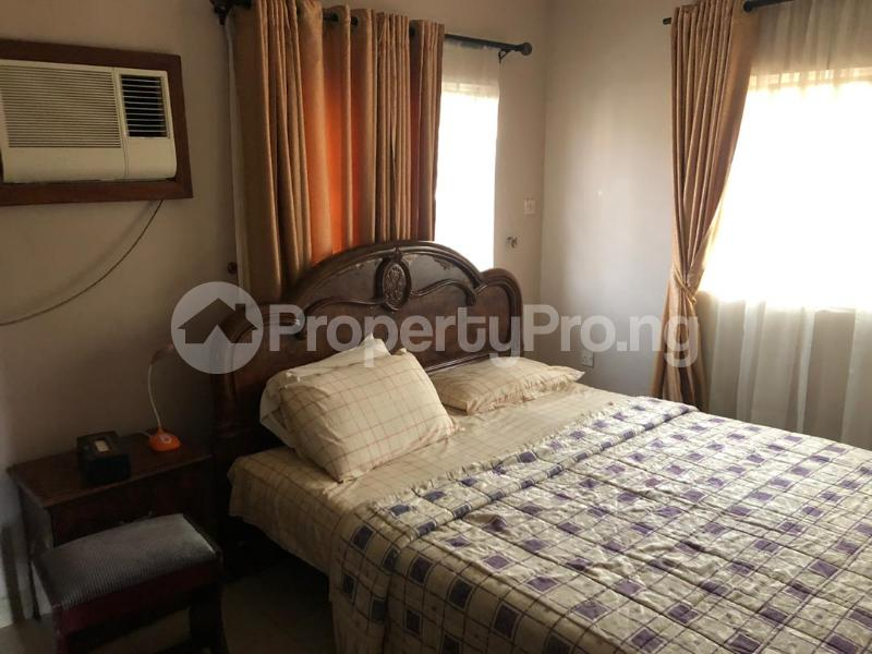 1 bedroom mini flat  Mini flat Flat / Apartment for rent Directly behind petrocamp filling station Goshen estate.  Lekki Phase 1 Lekki Lagos - 6