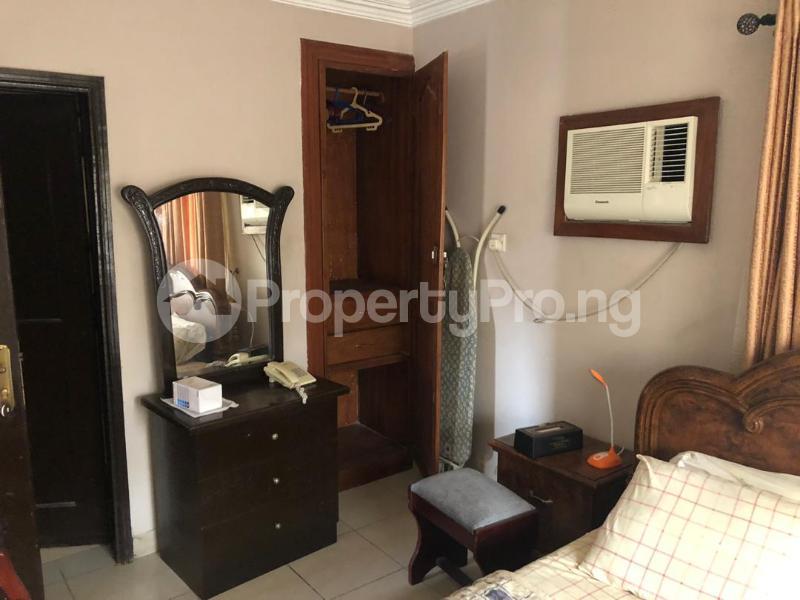 1 bedroom mini flat  Mini flat Flat / Apartment for rent Directly behind petrocamp filling station Goshen estate.  Lekki Phase 1 Lekki Lagos - 5