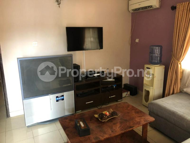 1 bedroom mini flat  Mini flat Flat / Apartment for rent Directly behind petrocamp filling station Goshen estate.  Lekki Phase 1 Lekki Lagos - 10