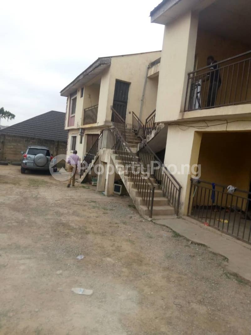 2 bedroom Blocks of Flats House for sale Behind green spring hotel old ife road. Agodi Ibadan Oyo - 2