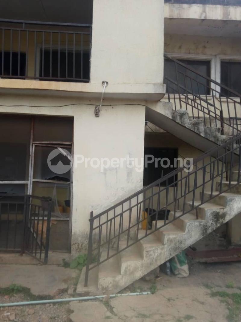 2 bedroom Blocks of Flats House for sale Behind green spring hotel old ife road. Agodi Ibadan Oyo - 1