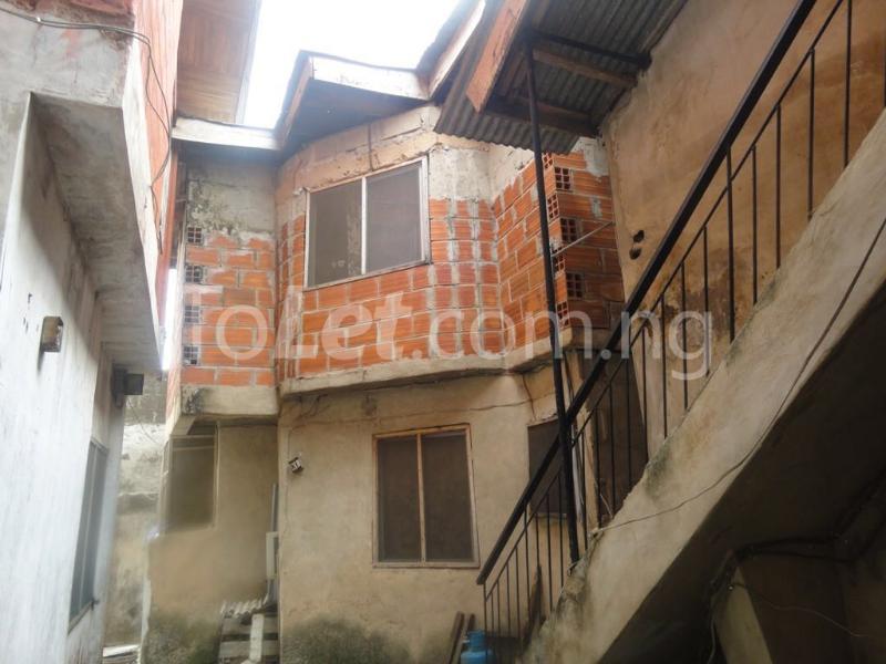 2 bedroom Flat / Apartment for sale idofian street Ago palace Okota Lagos - 8