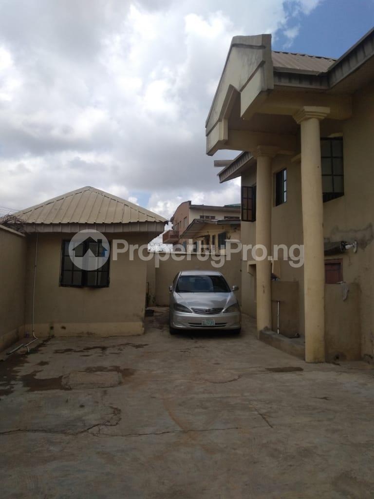 2 bedroom Blocks of Flats House for rent Iyaganku Quarters Iyanganku Ibadan Oyo - 3