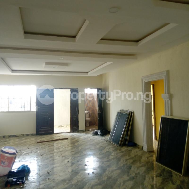 3 bedroom Flat / Apartment for rent Off Aiyelegun Road, Bucknor Isolo Lagos - 14
