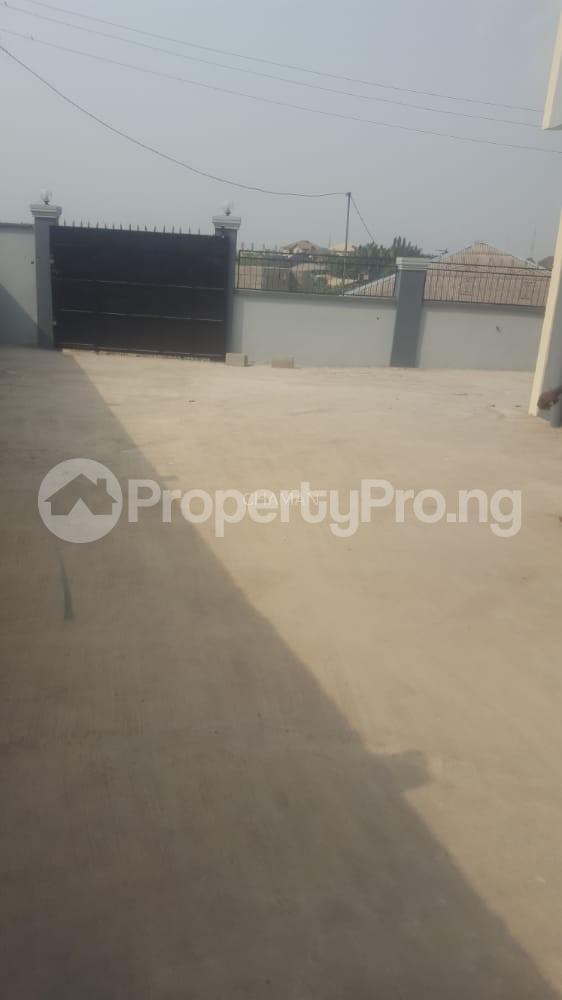 2 bedroom Flat / Apartment for rent Private Estate, off Berger Expressway Magboro Obafemi Owode Ogun - 1