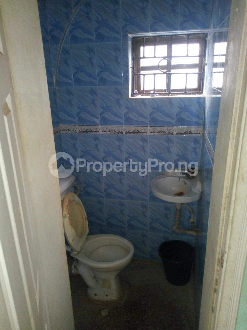 2 bedroom Blocks of Flats House for rent Molade Iwo Rd Ibadan Oyo - 3