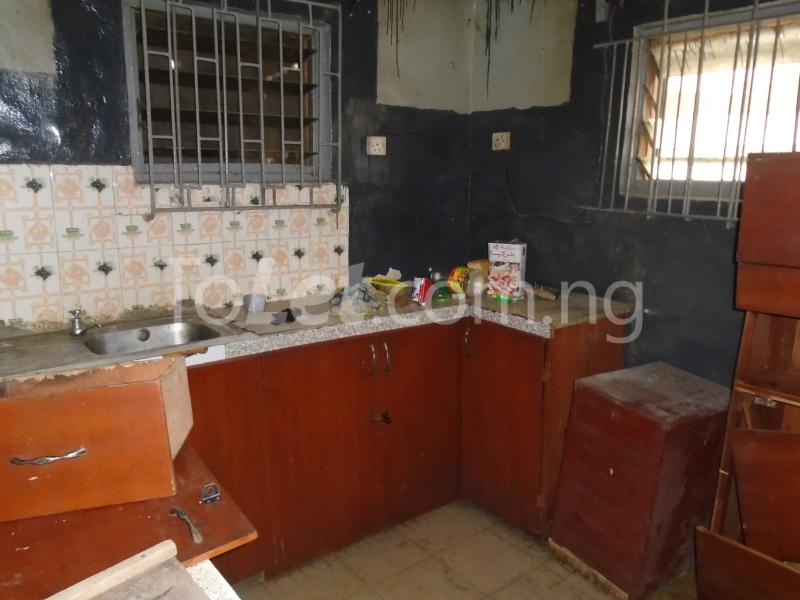 2 bedroom Flat / Apartment for rent off western avenue,By barracks,  Western Avenue Surulere Lagos - 7