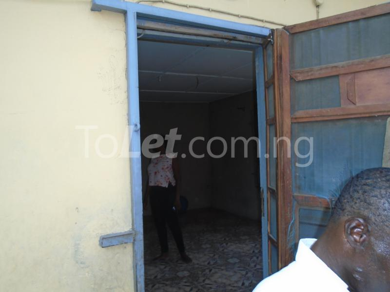 2 bedroom Flat / Apartment for rent off western avenue,By barracks,  Western Avenue Surulere Lagos - 0
