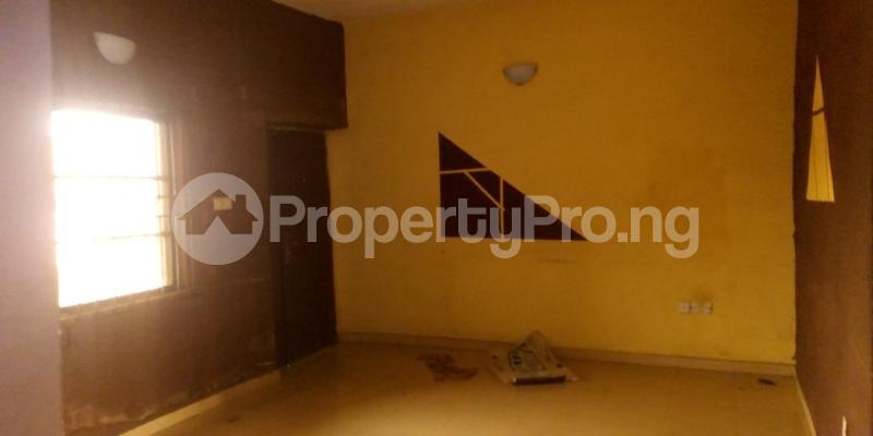 2 bedroom Blocks of Flats House for rent Ogunyeye Street  Agric Ikorodu Lagos - 2