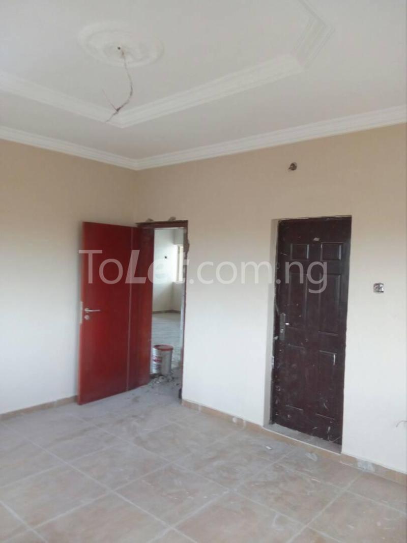 2 bedroom Flat / Apartment for rent Bode Thomas Road Lagos - 2