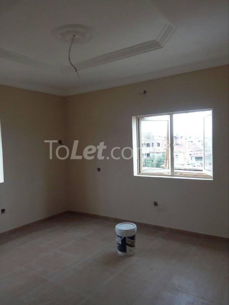 2 bedroom Flat / Apartment for rent Bode Thomas Road Lagos - 4