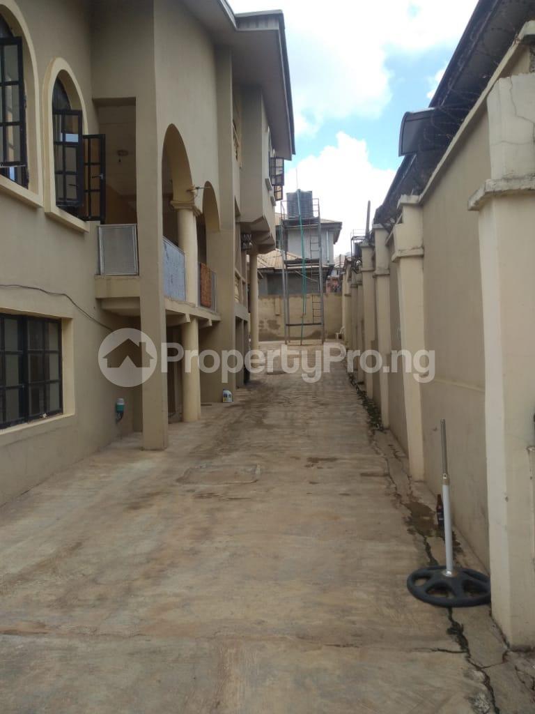 2 bedroom Blocks of Flats House for rent Iyaganku Quarters Iyanganku Ibadan Oyo - 12