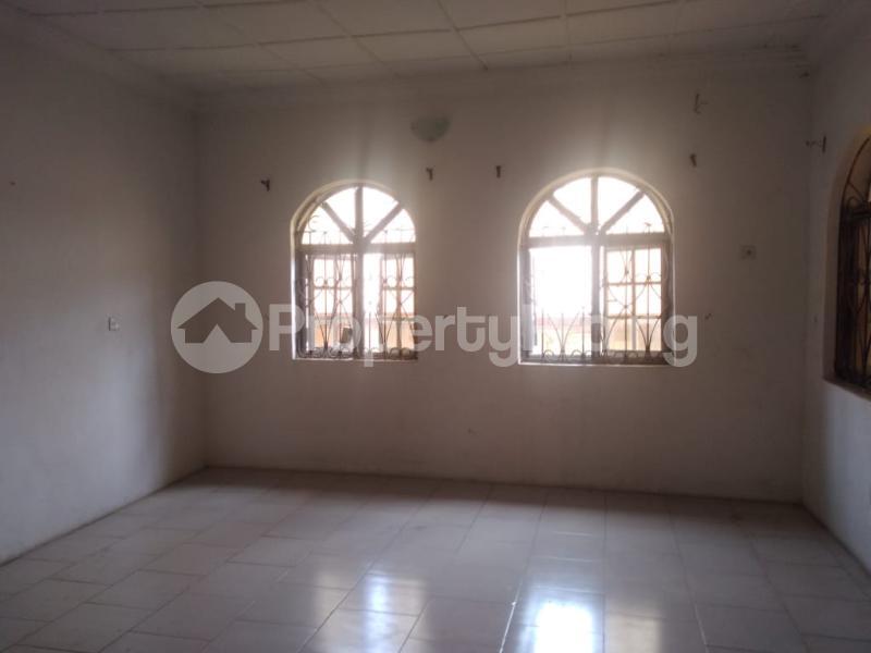 2 bedroom Blocks of Flats House for rent Iyaganku Quarters Iyanganku Ibadan Oyo - 2