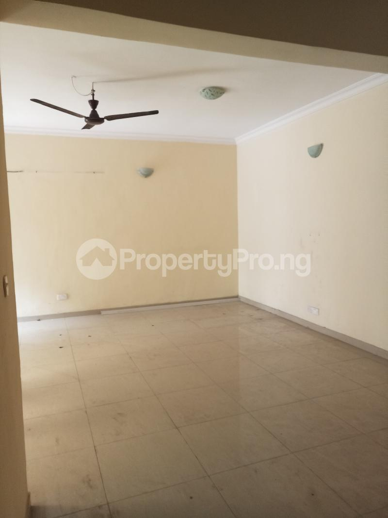 2 bedroom Flat / Apartment for rent Common wealth Palm groove estate Bye pass Ilupeju Ilupeju Lagos - 2
