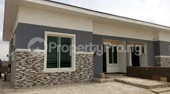 4 bedroom Detached Bungalow House for sale Mowe Obafemi Owode Ogun - 5