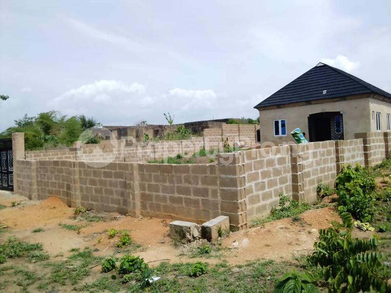 2 bedroom Detached Bungalow House for sale  Owo agbara road off golden estate, Odo ona kekere, Ibadan.  Ibadan Oyo - 1