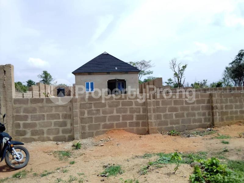 2 bedroom Detached Bungalow House for sale  Owo agbara road off golden estate, Odo ona kekere, Ibadan.  Ibadan Oyo - 3