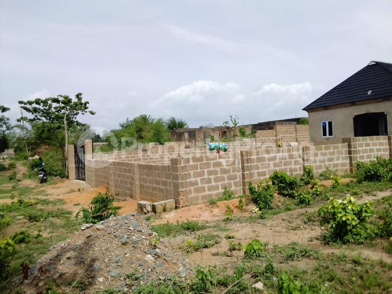 2 bedroom Detached Bungalow House for sale  Owo agbara road off golden estate, Odo ona kekere, Ibadan.  Ibadan Oyo - 5