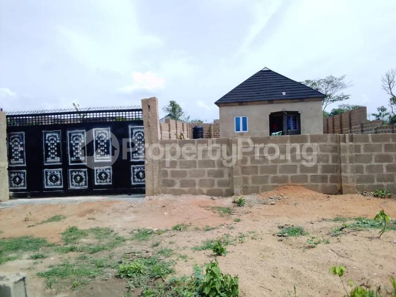 2 bedroom Detached Bungalow House for sale  Owo agbara road off golden estate, Odo ona kekere, Ibadan.  Ibadan Oyo - 2