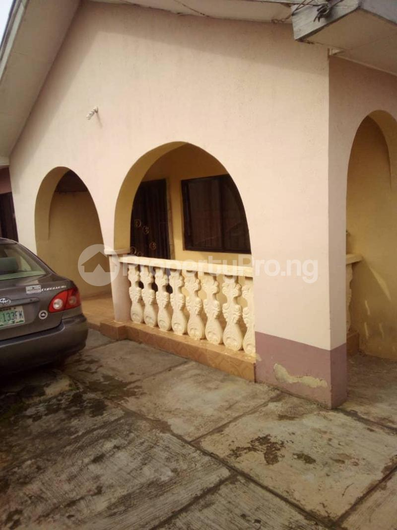 10 bedroom Blocks of Flats House for sale  oyedemi close to adetokun,ologuneru eleyele ibadan Ido Oyo - 15