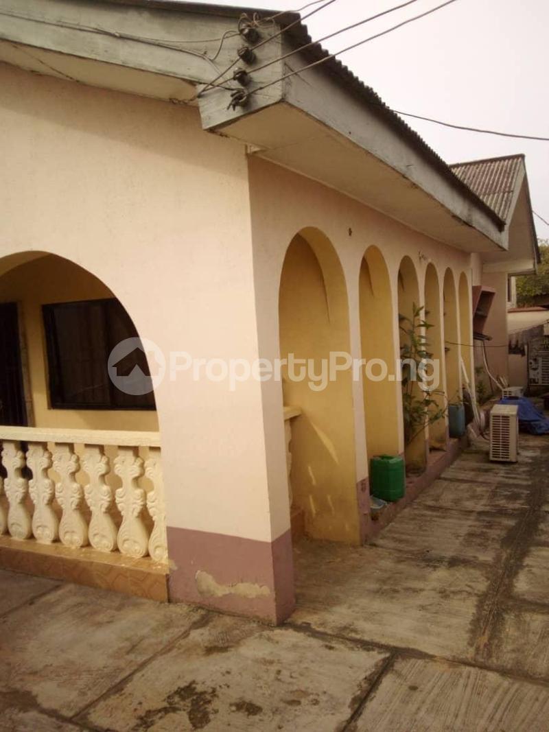 10 bedroom Blocks of Flats House for sale  oyedemi close to adetokun,ologuneru eleyele ibadan Ido Oyo - 8