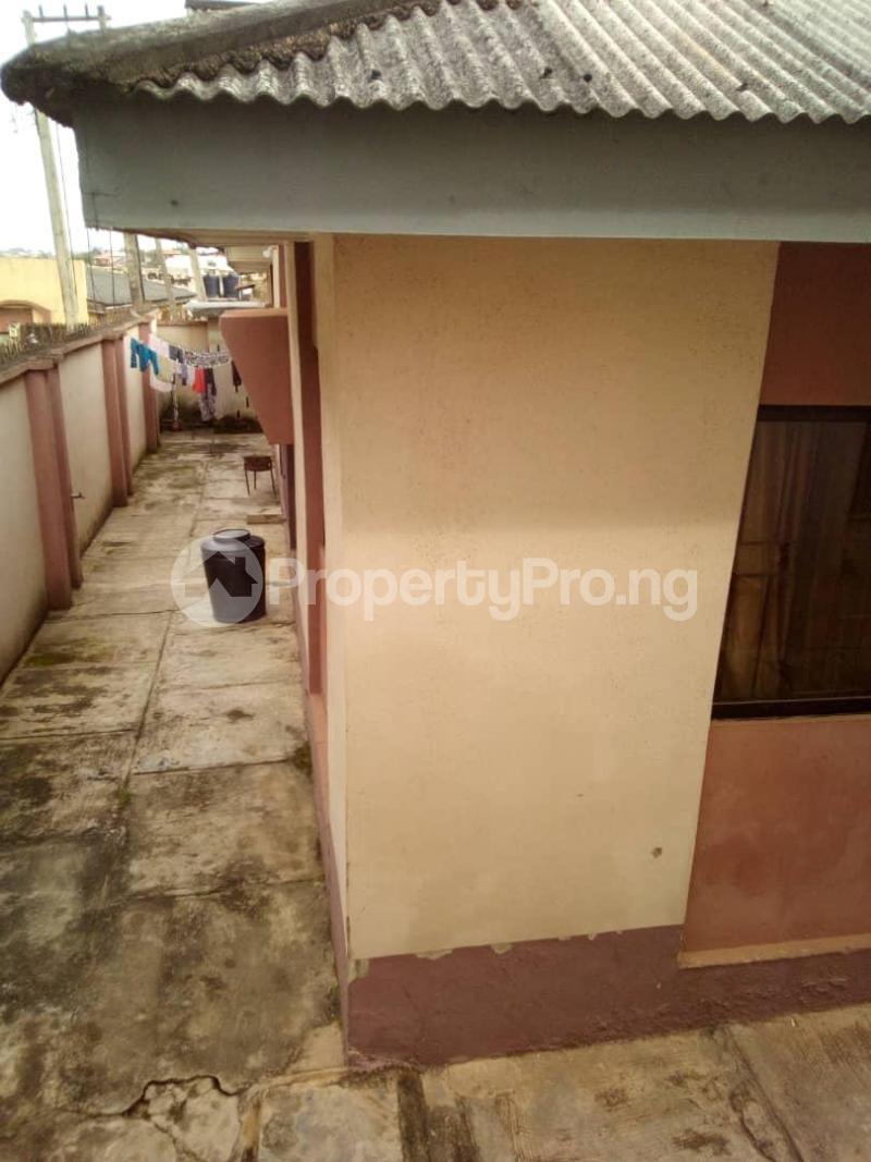 10 bedroom Blocks of Flats House for sale  oyedemi close to adetokun,ologuneru eleyele ibadan Ido Oyo - 0