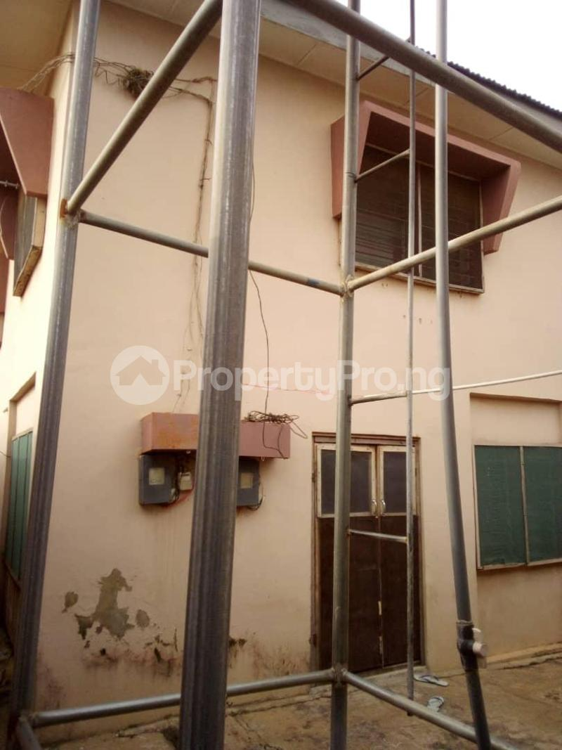 10 bedroom Blocks of Flats House for sale  oyedemi close to adetokun,ologuneru eleyele ibadan Ido Oyo - 3