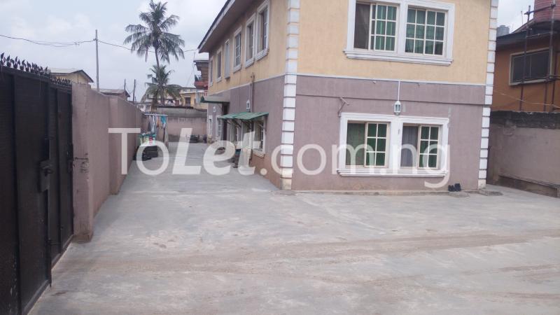 2 bedroom Flat / Apartment for sale Off Bajulaye Road Folagoro  Bariga Shomolu Lagos - 1