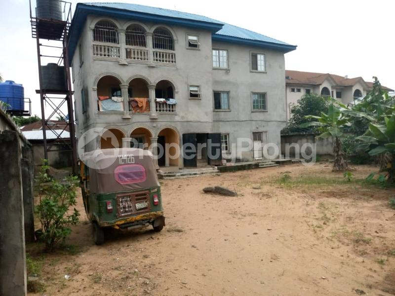 3 bedroom Flat / Apartment for sale 2 Nwadinaobi close (opp steam garden hotels) 7up Rd ugbor hill. Aba South Abia - 0