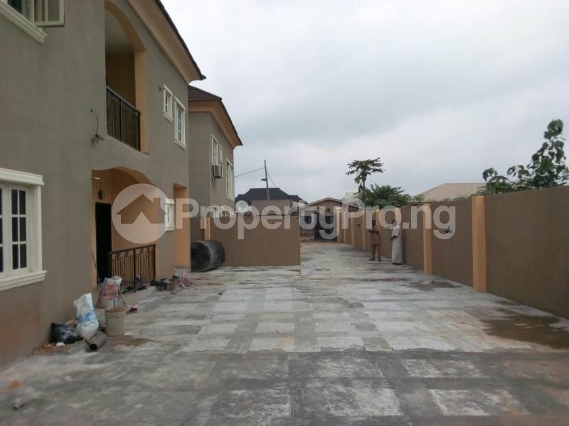 6 bedroom Blocks of Flats House for sale odonla area ijede  Ijede Ikorodu Lagos - 9
