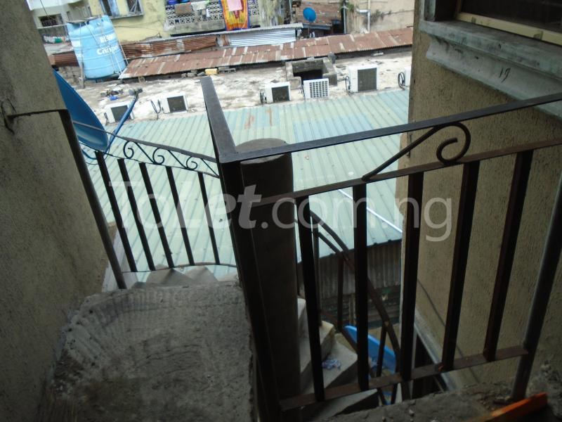 2 bedroom Flat / Apartment for rent - Ojuelegba Surulere Lagos - 1