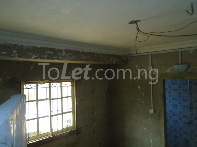 2 bedroom Flat / Apartment for rent - Ojuelegba Surulere Lagos - 10