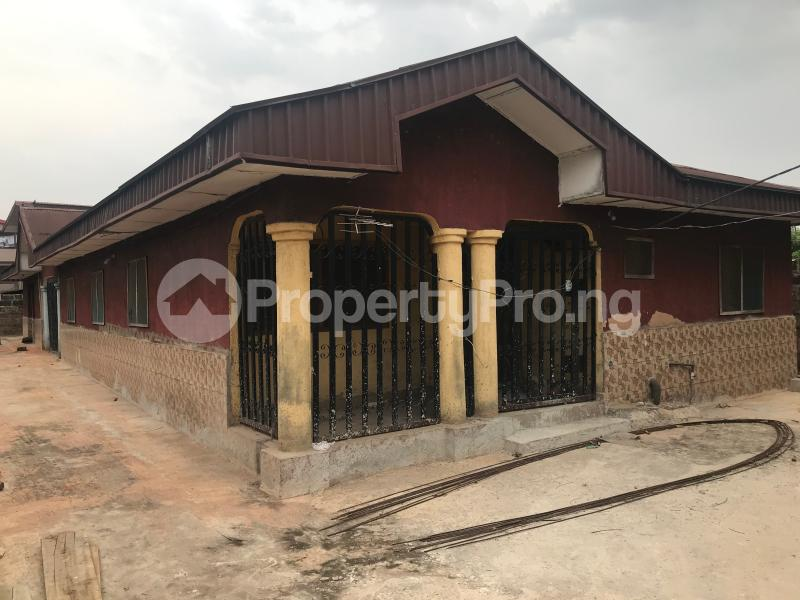 3 bedroom Detached Bungalow House for sale Uselu Shell, Benin City  Egor Edo - 2