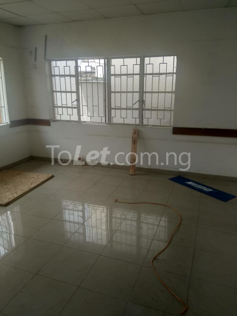 4 bedroom House for rent Emina Crescent Toyin street Ikeja Lagos - 2