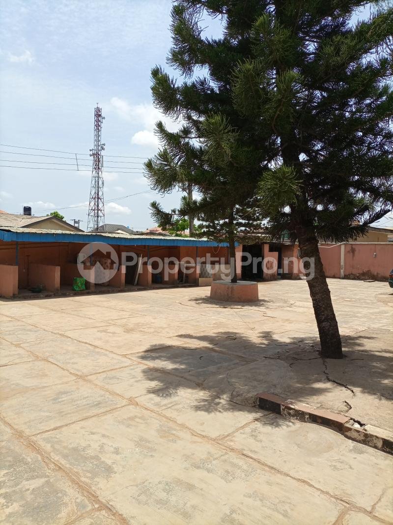 10 bedroom Hotel/Guest House Commercial Property for sale Igando Ikotun/Igando Lagos - 4
