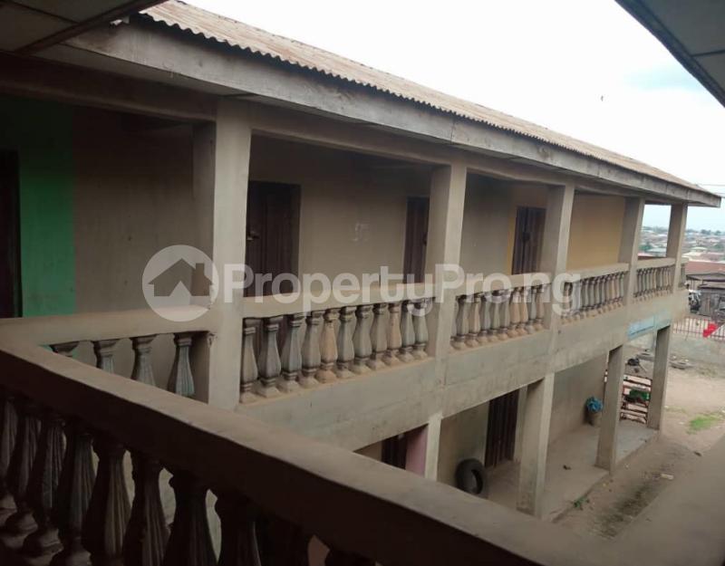 Shop Commercial Property for sale alasia bus stop Amuloko area ibadan Ibadan Oyo - 2