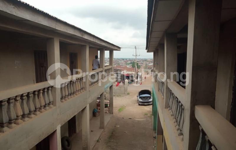 Shop Commercial Property for sale alasia bus stop Amuloko area ibadan Ibadan Oyo - 4
