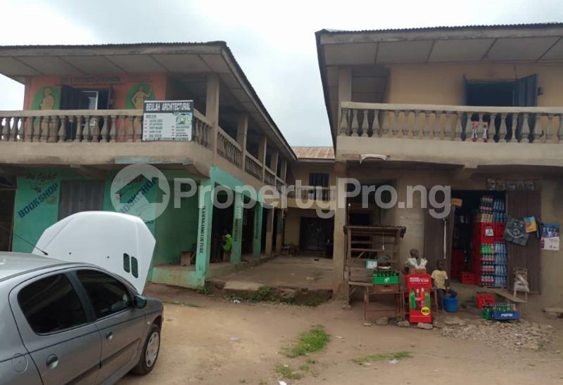 Shop Commercial Property for sale alasia bus stop Amuloko area ibadan Ibadan Oyo - 1