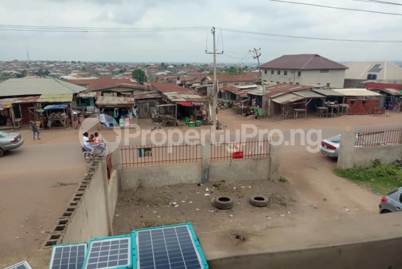 Shop Commercial Property for sale alasia bus stop Amuloko area ibadan Ibadan Oyo - 0