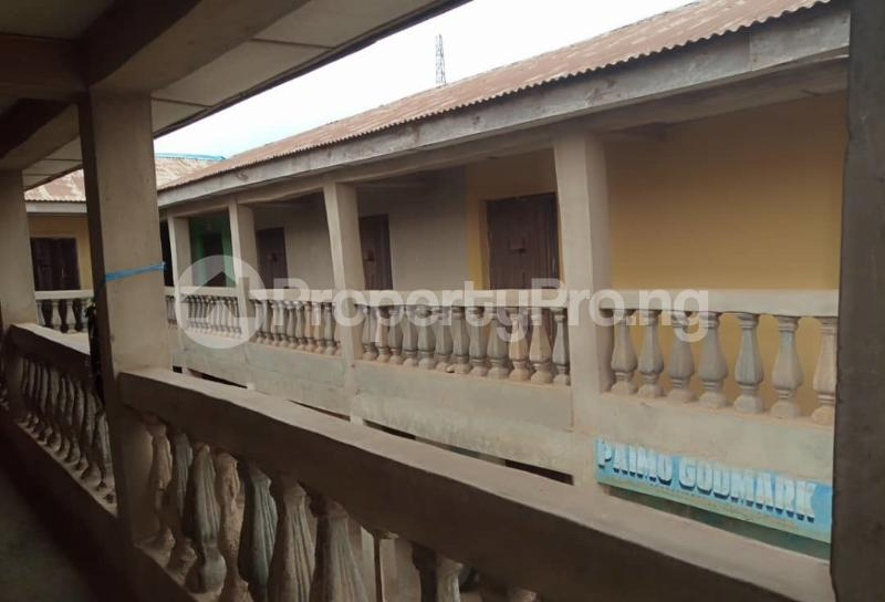 Shop Commercial Property for sale alasia bus stop Amuloko area ibadan Ibadan Oyo - 3