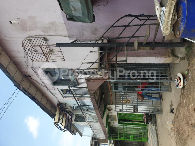 2 bedroom Flat / Apartment for rent Lawanson Road by Anjorin Busstop Lawanson Surulere Lagos - 1
