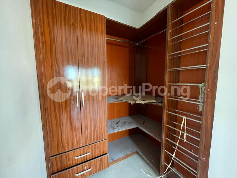 2 bedroom Flat / Apartment for sale Behind Enyo Filling Station, Chisco Bustop Ikate Lekki Lagos - 7