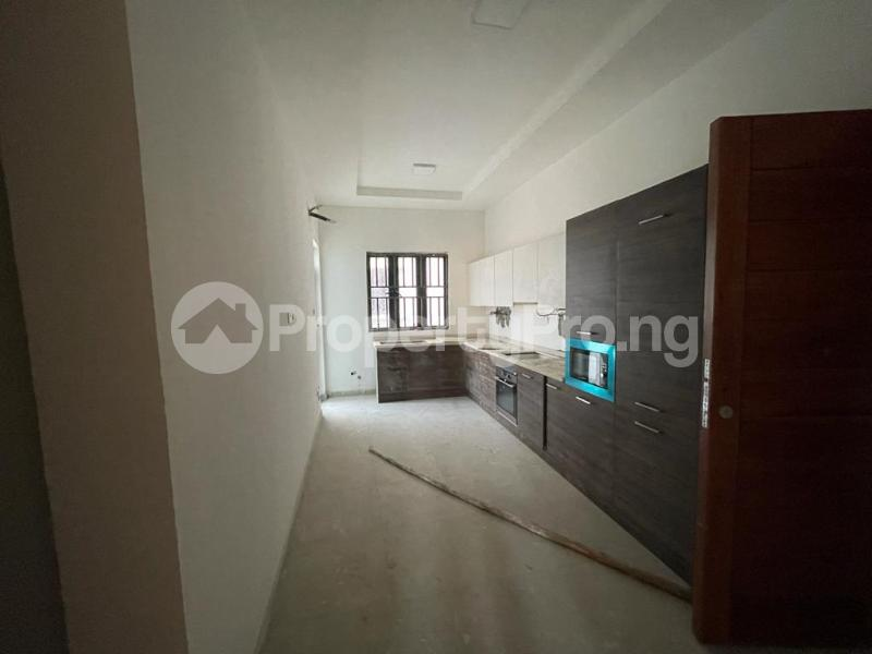 2 bedroom Flat / Apartment for sale Behind Enyo Filling Station, Chisco Bustop Ikate Lekki Lagos - 5