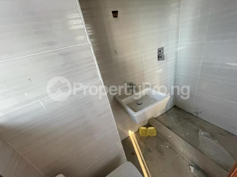 2 bedroom Flat / Apartment for sale Behind Enyo Filling Station, Chisco Bustop Ikate Lekki Lagos - 11