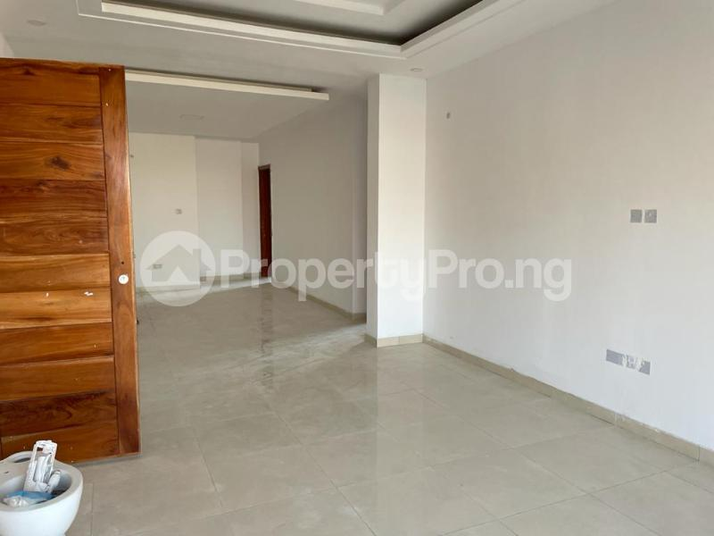 2 bedroom Flat / Apartment for sale Behind Enyo Filling Station, Chisco Bustop Ikate Lekki Lagos - 9