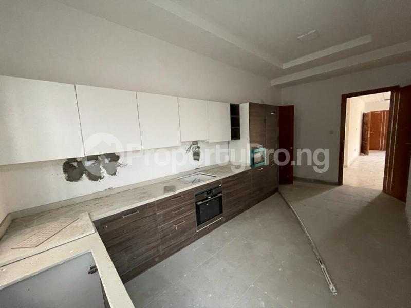 2 bedroom Flat / Apartment for sale Behind Enyo Filling Station, Chisco Bustop Ikate Lekki Lagos - 8